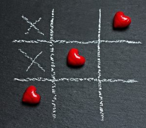 naughts and crosses with love and kisses
